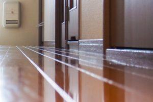 無垢床フローリングの塗装方法