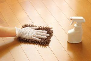 ワックスかけのための床洗浄